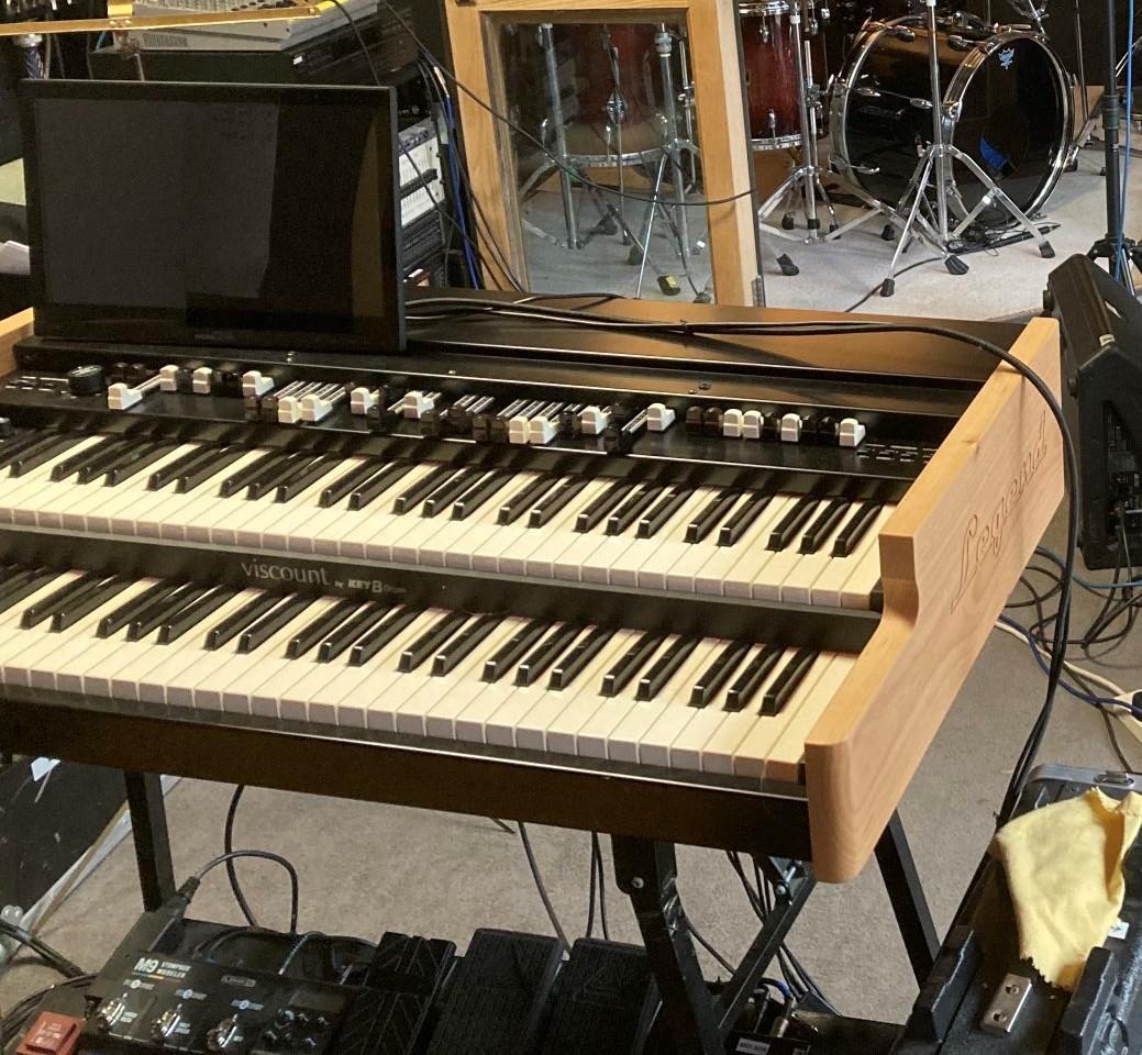 Hugh Banton\'s new organ setup and Peter Hammill\'s stage piano update_b0009391_19130823.jpg