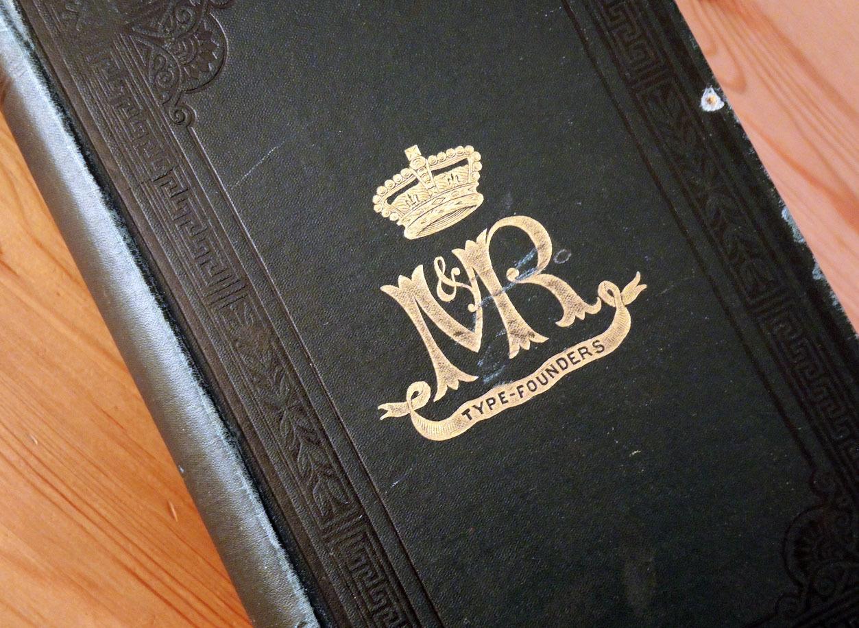 スコットランドの古い活字見本帳_e0175918_03223547.jpg