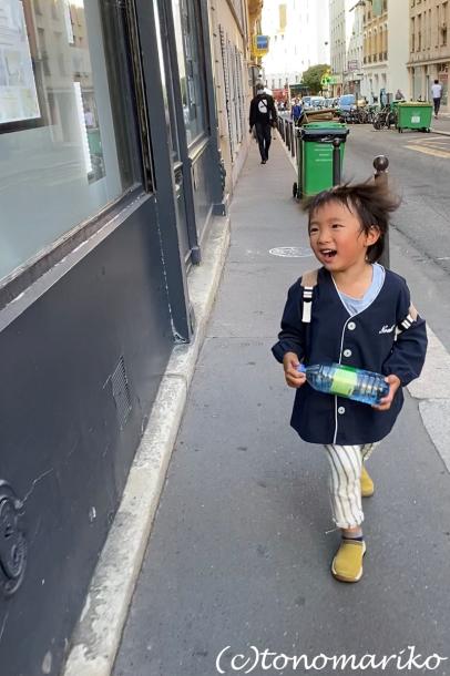 まだまだ夏が残るパリ、新学年がスタート!_c0024345_22401969.jpg
