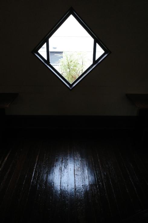 フランク・ロイド・ライトが基本設計をした『自由学園明日館』へ行ってきた_a0287336_15100614.jpg
