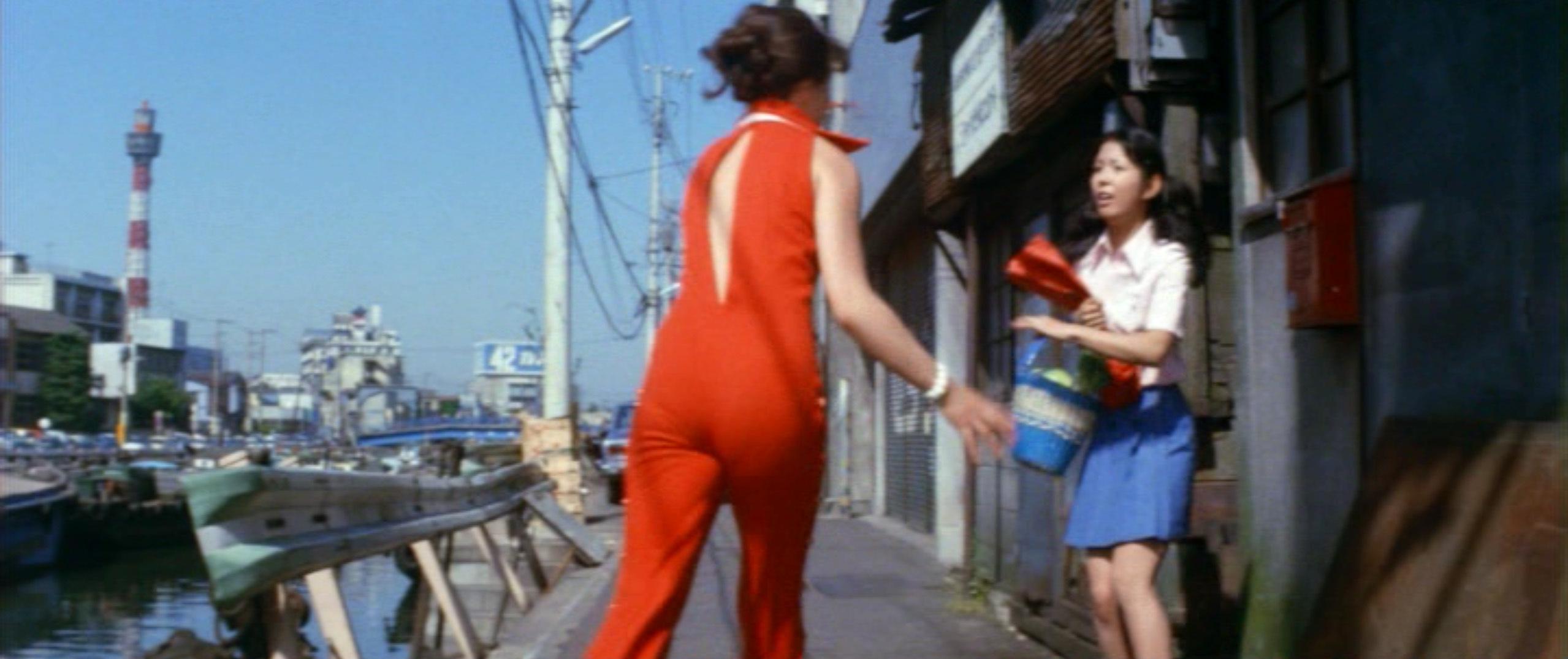 市毛良枝(Yoshie Ichige)「混血児リカ ハマぐれ子守唄」(1973)・・・《前半》_e0042361_20452866.jpg