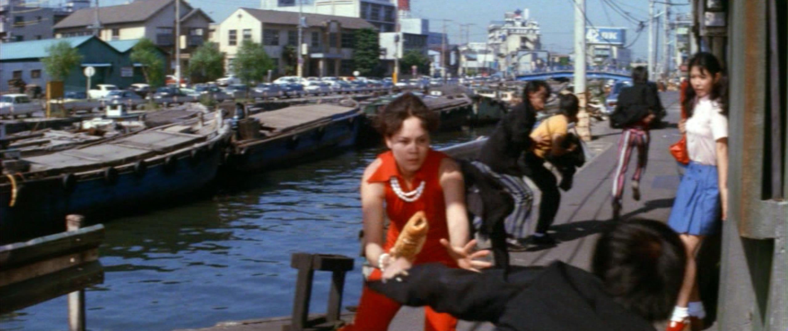 市毛良枝(Yoshie Ichige)「混血児リカ ハマぐれ子守唄」(1973)・・・《前半》_e0042361_20453702.jpg