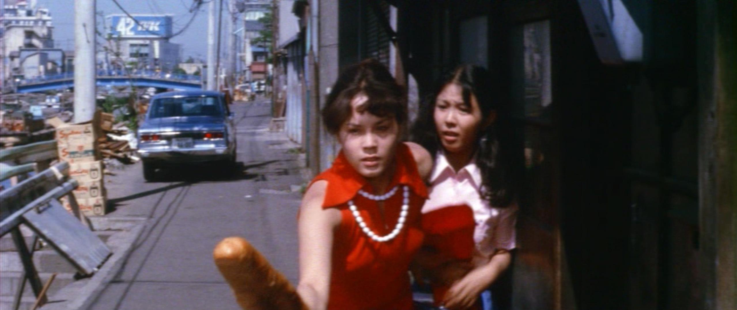 市毛良枝(Yoshie Ichige)「混血児リカ ハマぐれ子守唄」(1973)・・・《前半》_e0042361_20454448.jpg