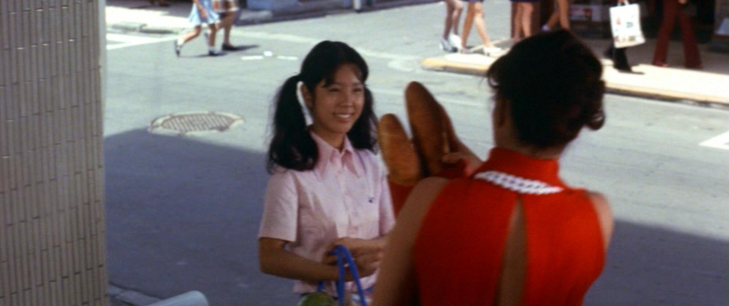 市毛良枝(Yoshie Ichige)「混血児リカ ハマぐれ子守唄」(1973)・・・《前半》_e0042361_20455958.jpg