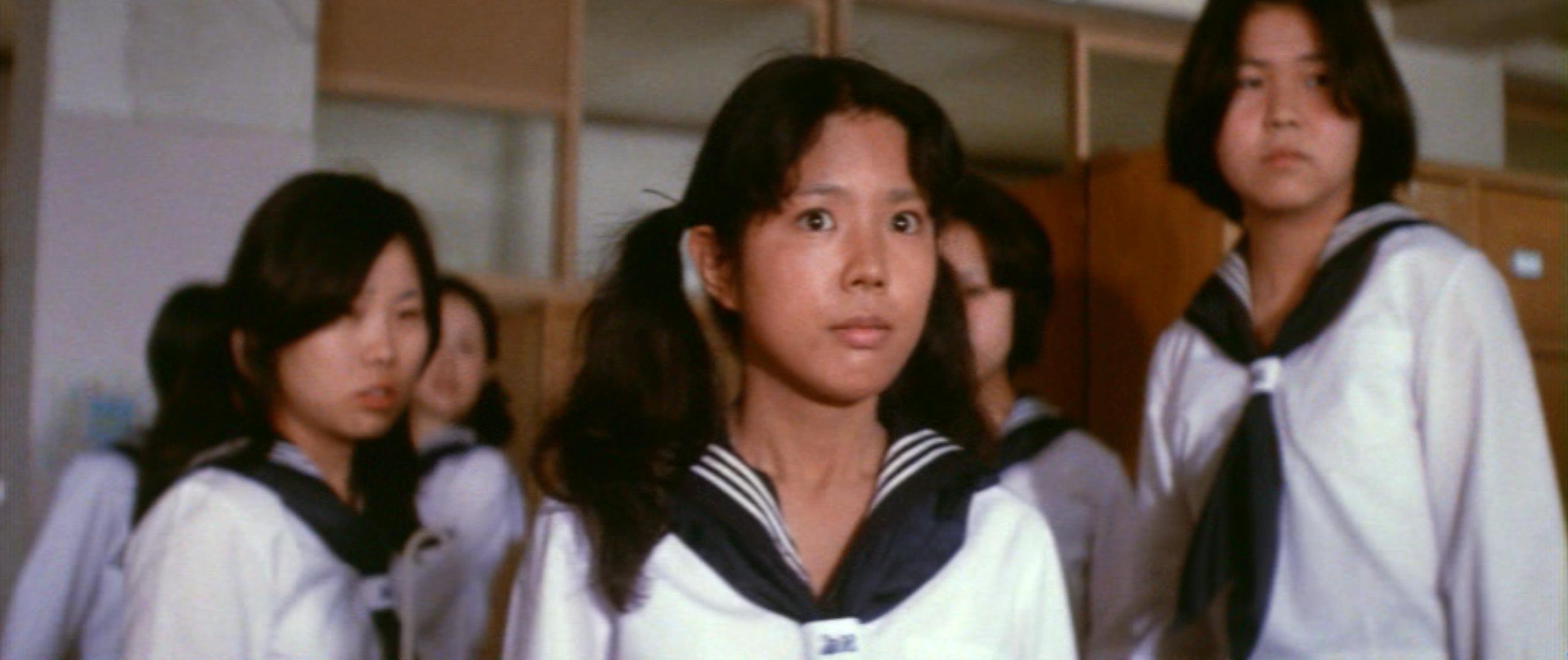 市毛良枝(Yoshie Ichige)「混血児リカ ハマぐれ子守唄」(1973)・・・《前半》_e0042361_20460550.jpg