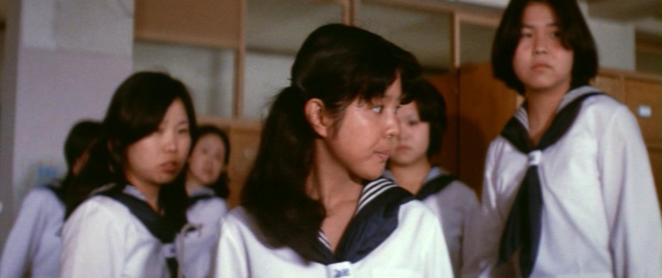 市毛良枝(Yoshie Ichige)「混血児リカ ハマぐれ子守唄」(1973)・・・《前半》_e0042361_20460816.jpg