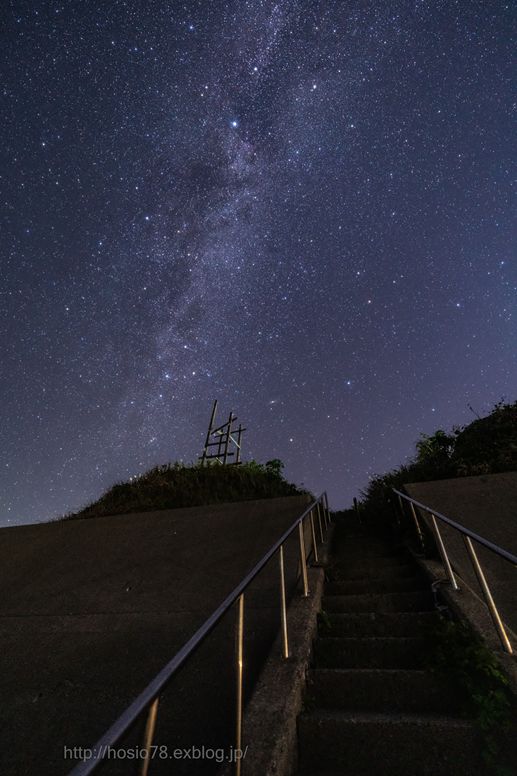 Stairs leading to the galaxy_e0214470_12375033.jpg