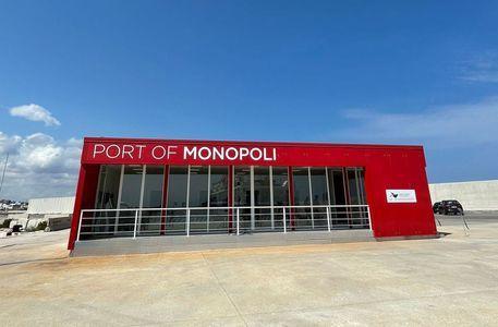 モノポリにクルーズ船停泊がスタート!_b0305039_18043936.jpg
