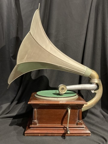 三光堂ラッパ型蓄音機_a0047010_16430758.jpg