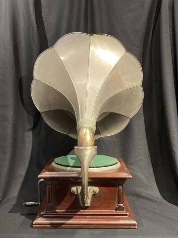 三光堂ラッパ型蓄音機_a0047010_16430871.jpg