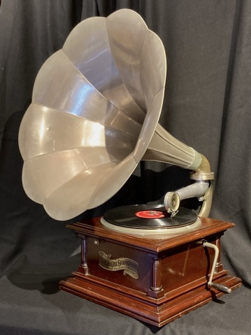 三光堂ラッパ型蓄音機_a0047010_16430993.jpg