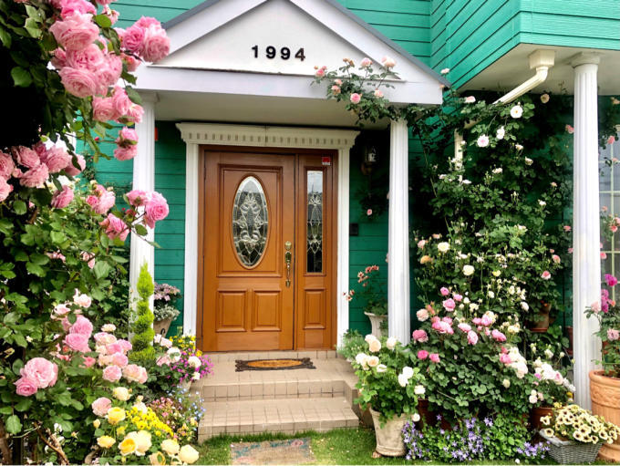 秋バラと来春のバラを夢見て妄想〜♡とトラサイドAの散布♫ - 薪割りマコのバラの庭