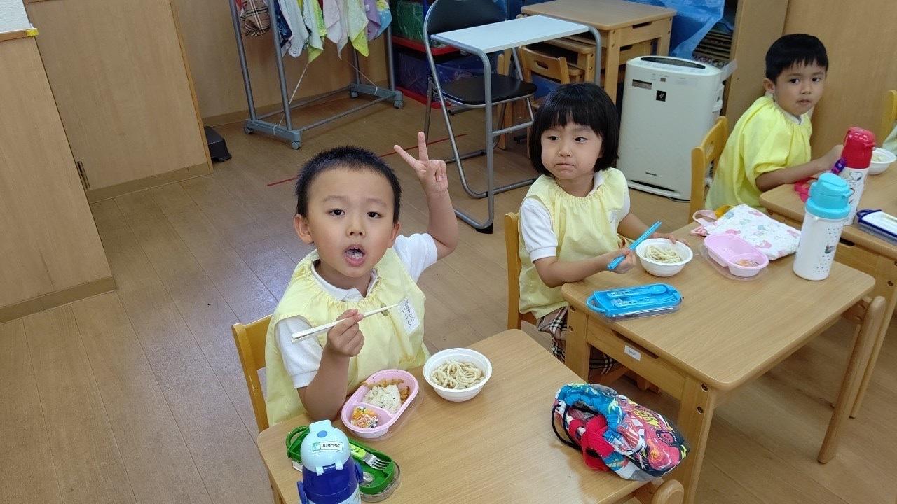 Lunch time☆_e0119166_13320577.jpg