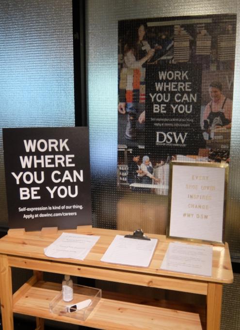 "\""Work where you can be you\""(あなたらしくいられる場所で働こう)_b0007805_23070841.jpg"