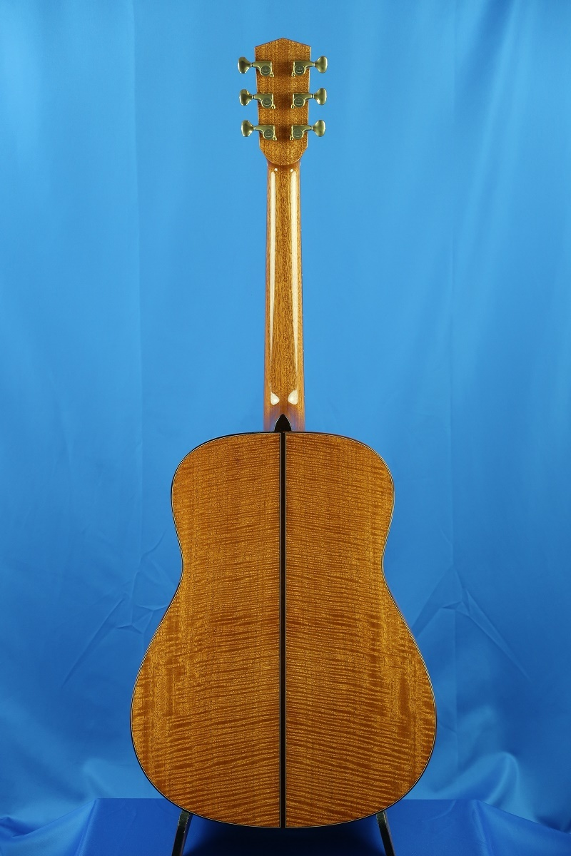 「The Fields D in Curly Mahogany」on YouTube_d0200414_15005185.jpg