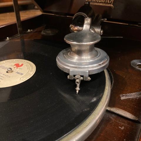 ブランズウィック卓上蓄音機 モデル 105_a0047010_10341011.jpg
