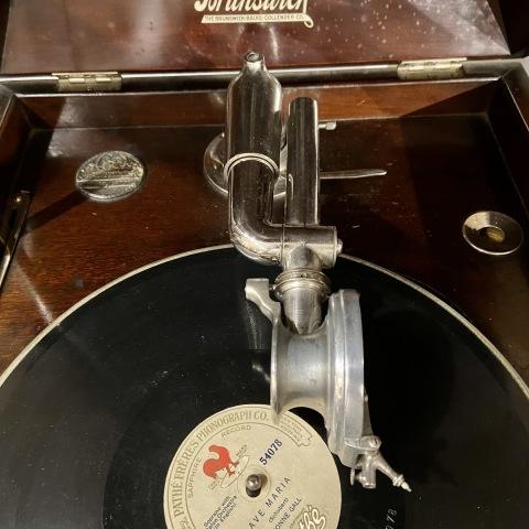 ブランズウィック卓上蓄音機 モデル 105_a0047010_10400298.jpg