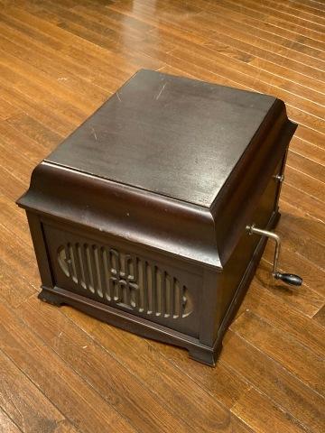 ブランズウィック卓上蓄音機 モデル 105_a0047010_11021596.jpg