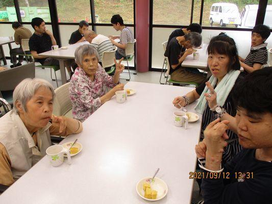 9/12 日曜喫茶_a0154110_13071173.jpg