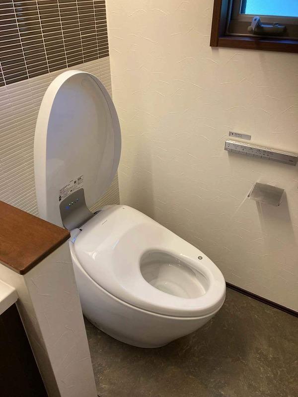 最高級トイレ_d0358411_17102092.jpg
