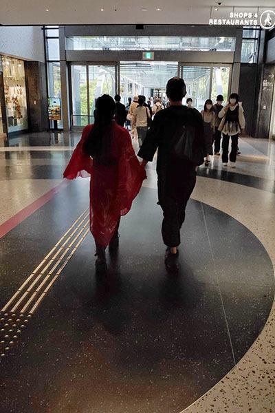 大阪駅辺りをカメラ片手にうろうろ_e0022047_21050432.jpg
