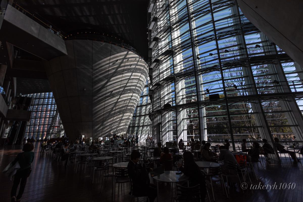 国立新美術館_a0261169_13220140.jpg