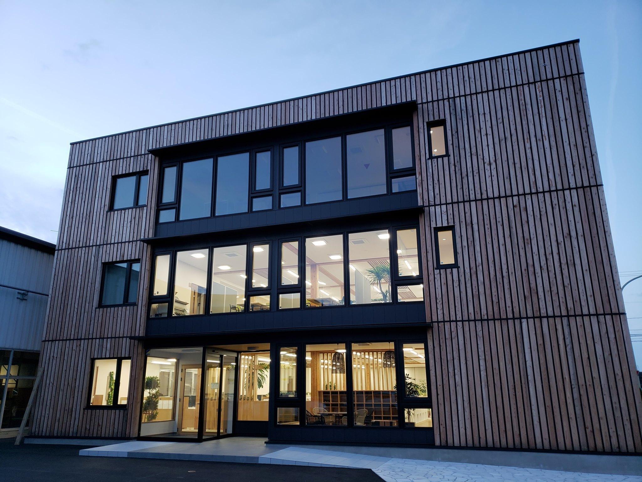 東北住建高性能木造3階事務所:隙間相当面積0.3 - 家づくり西方設計