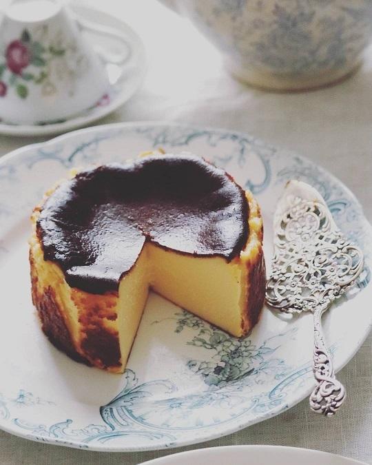 バスクチーズケーキ_e0211636_08510455.jpg
