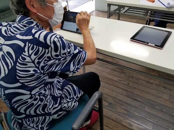 認知症予防教室(iPadで脳トレーニング)_c0113948_14321287.jpg