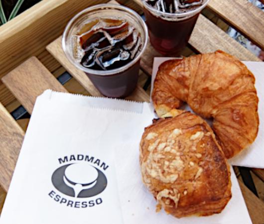NYU学生街の雰囲気の良いカフェ、Madman Espresso(マッドマン・エスプレッソ)_b0007805_07094410.jpg