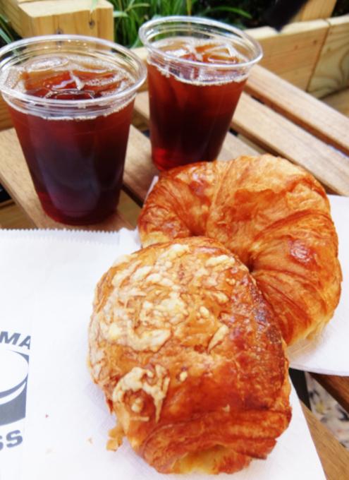 NYU学生街の雰囲気の良いカフェ、Madman Espresso(マッドマン・エスプレッソ)_b0007805_07164907.jpg