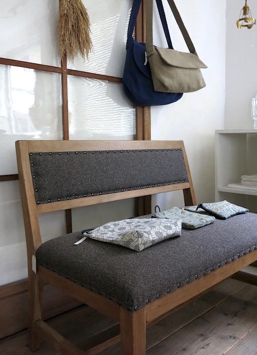 「椅子とかばん」明日よりはじまります。_e0407037_15460865.jpg