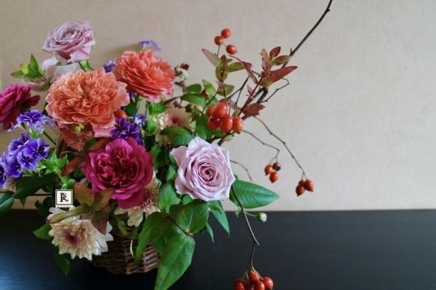 秋色の花々をバスケットに✨🧺🍁_c0128489_18552514.jpeg