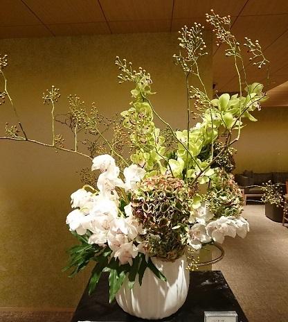 サロンのお花と 美容院 小学生の想い出_a0264383_16572563.jpg