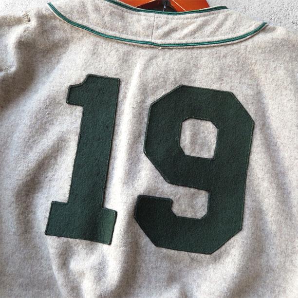 古いベースボールシャツとパンツ。_d0187983_16480829.jpg