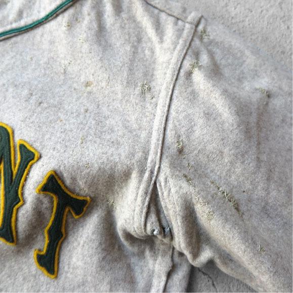 古いベースボールシャツとパンツ。_d0187983_16481723.jpg