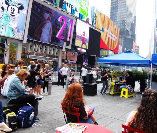 Divas of Broadway Sing-Along(ブロードウェイの歌姫の名曲を一緒にうたおう)_b0007805_22575527.jpg