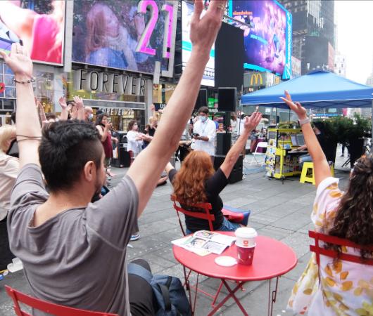 Divas of Broadway Sing-Along(ブロードウェイの歌姫の名曲を一緒にうたおう)_b0007805_22582032.jpg