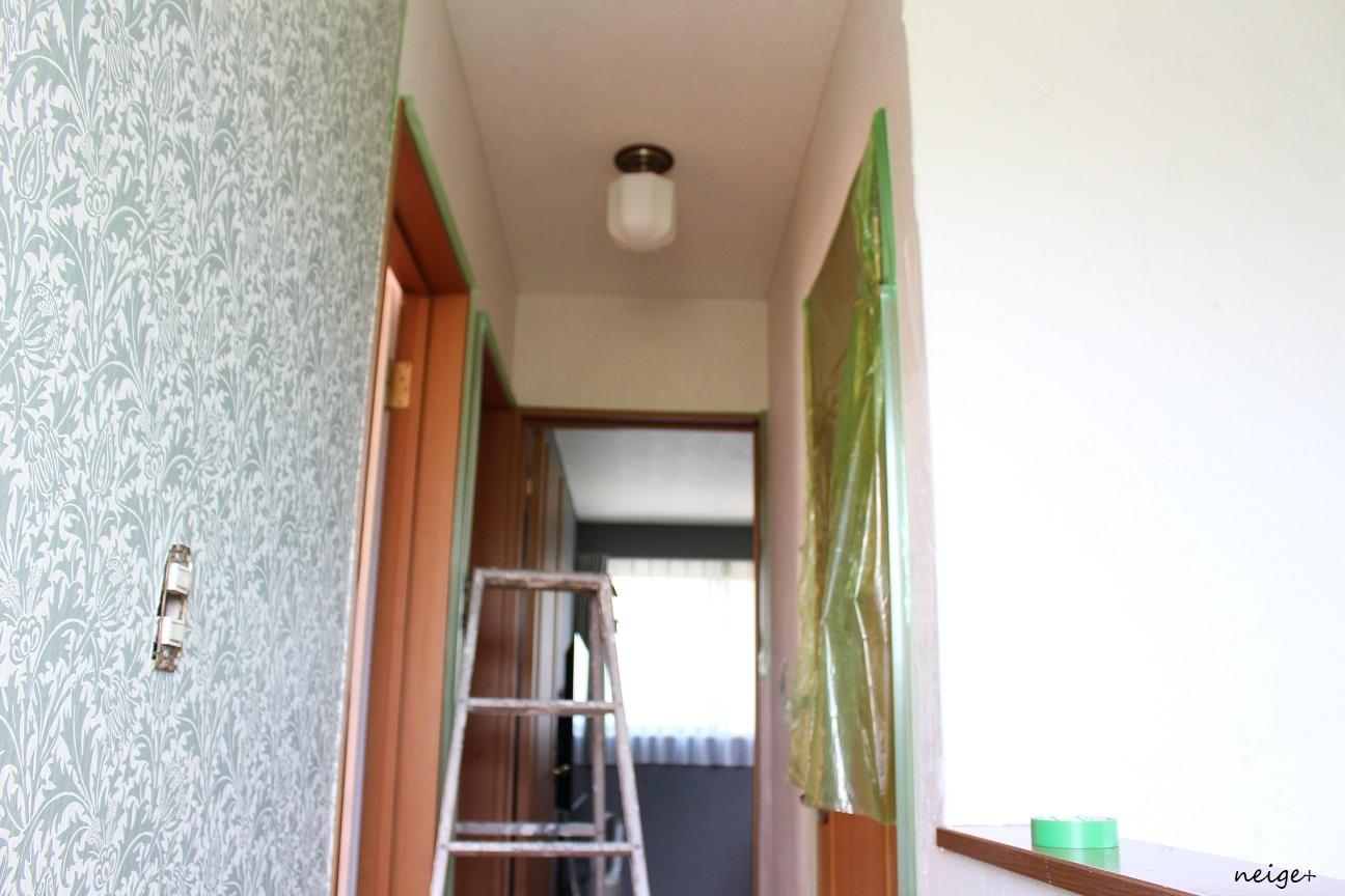 2階の廊下はアクセントクロス仕上げ。家じゅう漆喰計画コンプリート!_f0023333_23073447.jpg