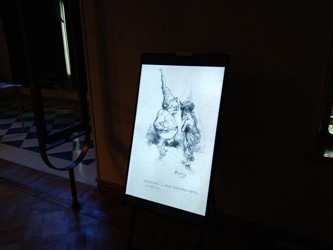 テーマ展示「パリ燃ゆ―名もなき者たちの声」のホッとできるコーナー_b0134195_12475180.jpg