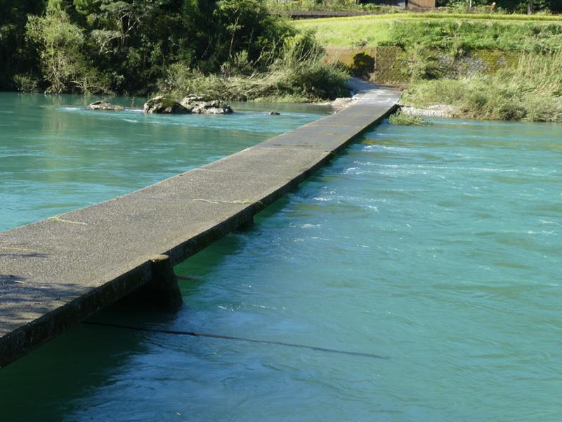 イリベさん、沈下橋コンプリートしましょう。_d0383596_08451369.jpg