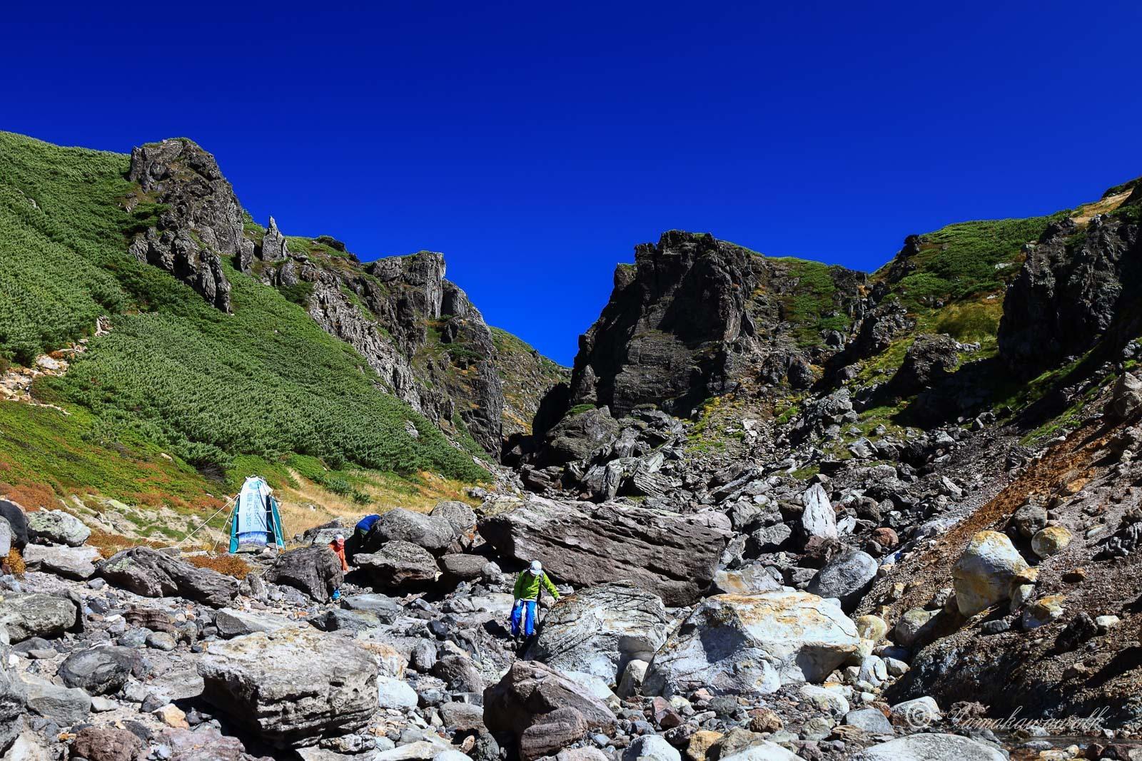 裾合平から中岳温泉まで歩いてきた_b0243727_20260137.jpg