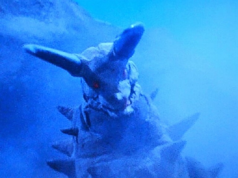 地底怪獣 グドン~帰ってきたウルトラマン怪獣第7号_a0394130_21491365.jpg