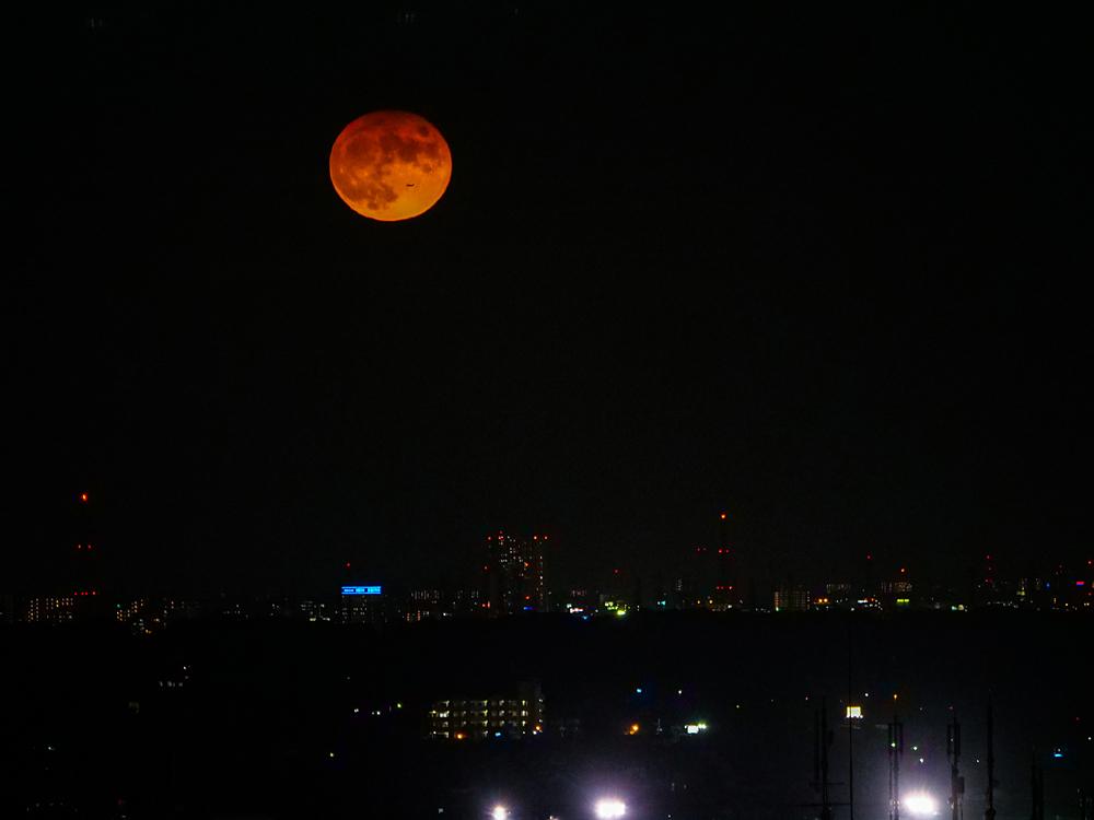 中秋の名月 8年ぶりの満月_f0199866_22300624.jpg