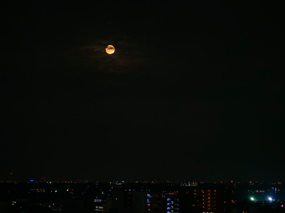 中秋の名月 8年ぶりの満月_f0199866_22364321.jpg