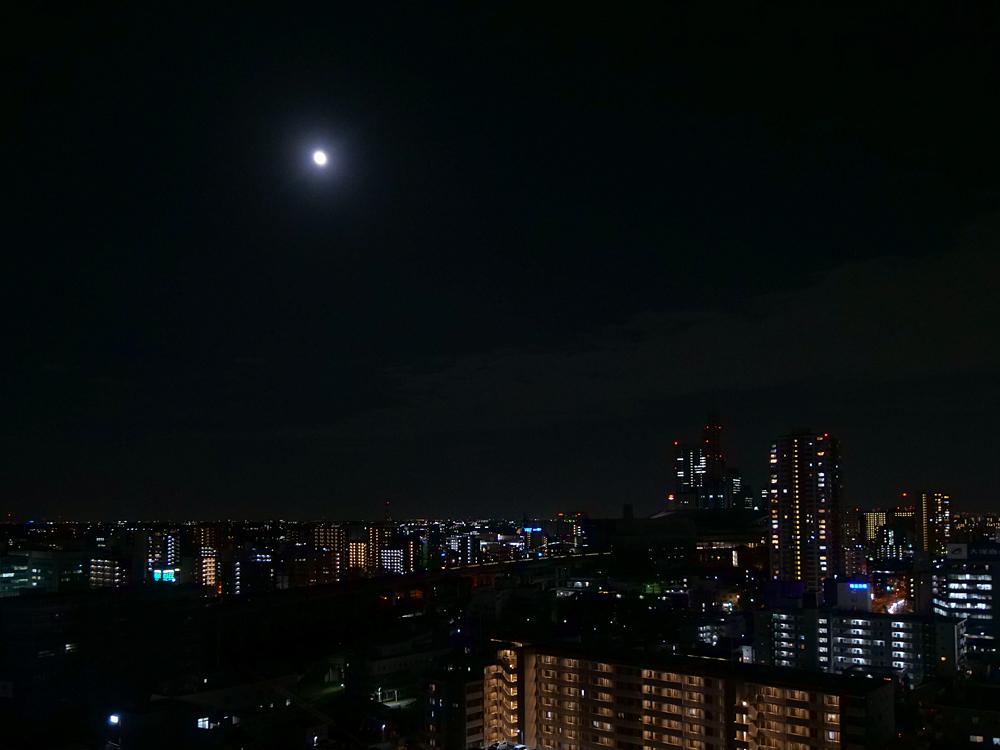 中秋の名月 8年ぶりの満月_f0199866_22422364.jpg