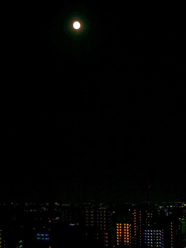 中秋の名月 8年ぶりの満月_f0199866_22463092.jpg