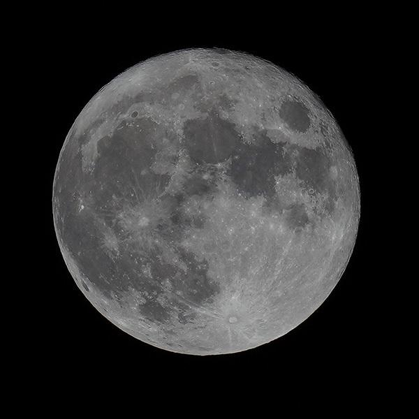 満月_d0138082_02180957.jpg