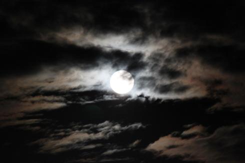9/22 仲秋の満月_e0185893_07261376.jpg