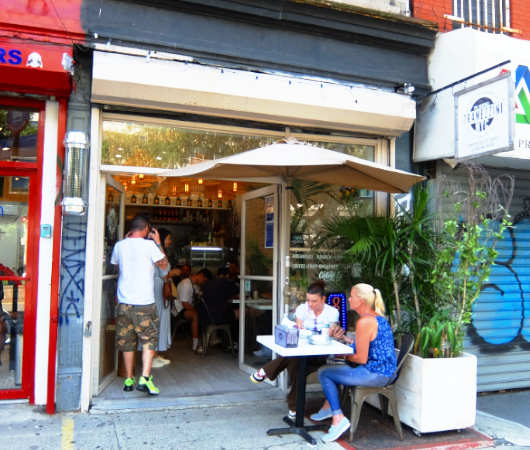 NY屈指の美味しいサンドイッチ屋(ベネチア式)、『トラメッツィーニ』(Tramezzini)_b0007805_02464709.jpg